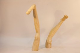 boob-knees